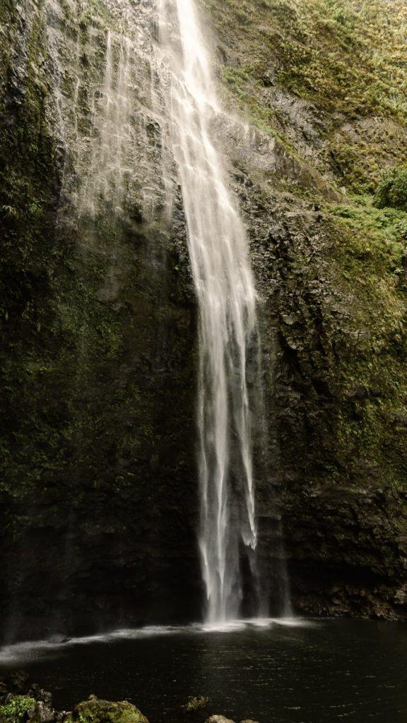 Hanakapia'ai Falls flowing down into a swimminghole