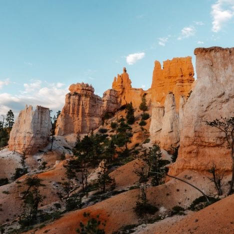 How to Hike Navajo Loop and Queen's Garden Trail in Bryce Canyon